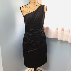 Stunning One Shoulder Black Dress